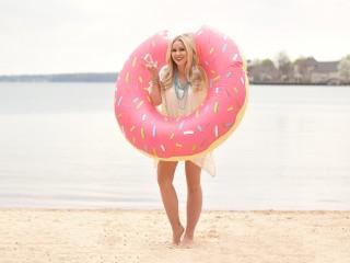 Donut Float 4