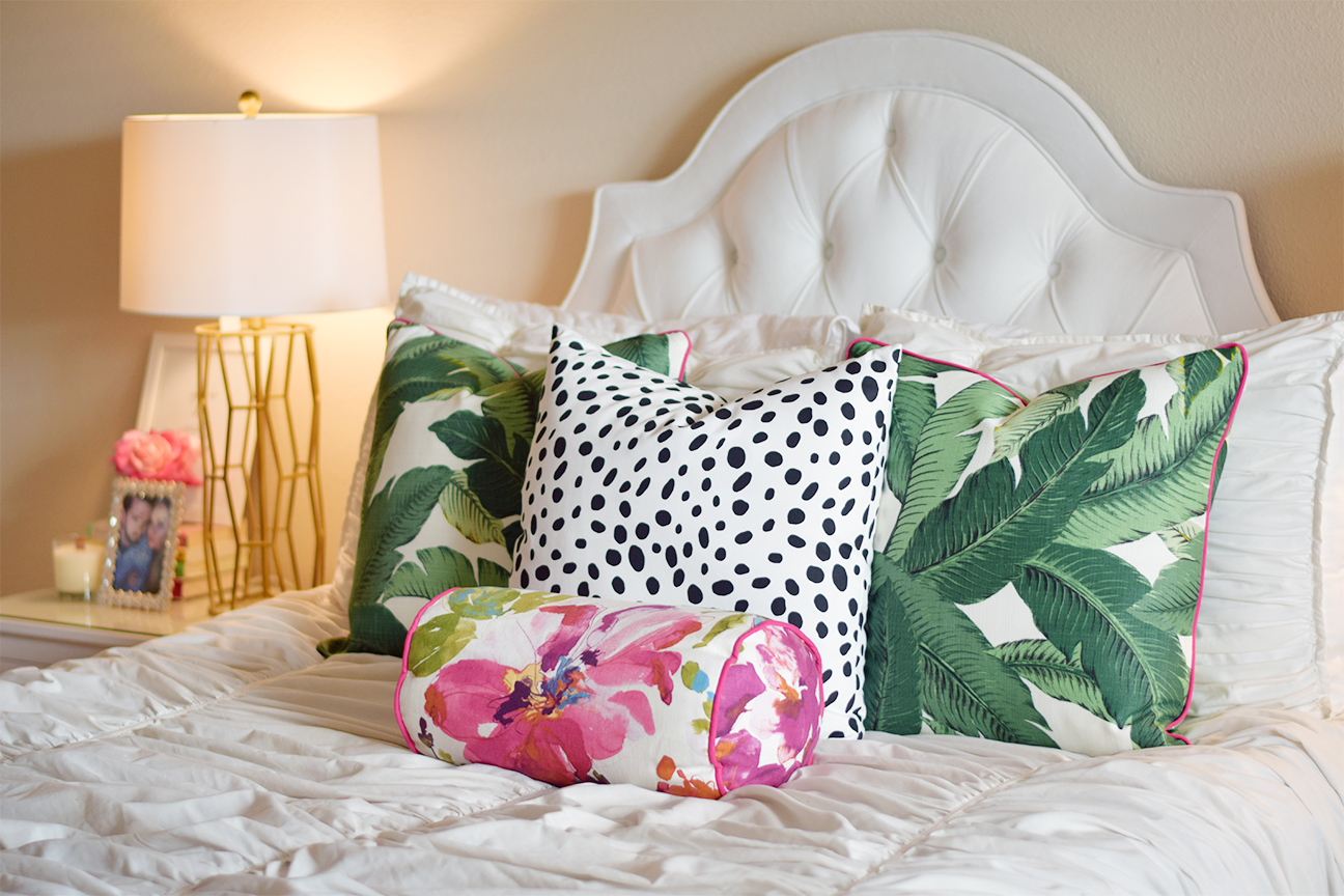 Palm Leaf Pillows with Pink Piping 2