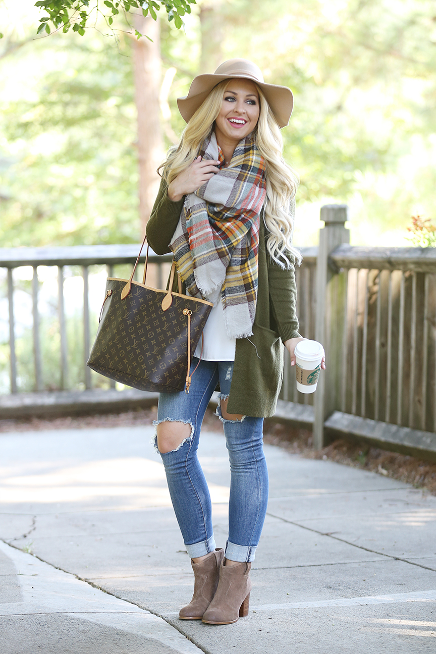 blanket-scarf-and-olive-cardigan-3