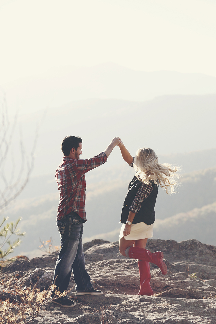 blowing-rock-boone-engagement-photos-17