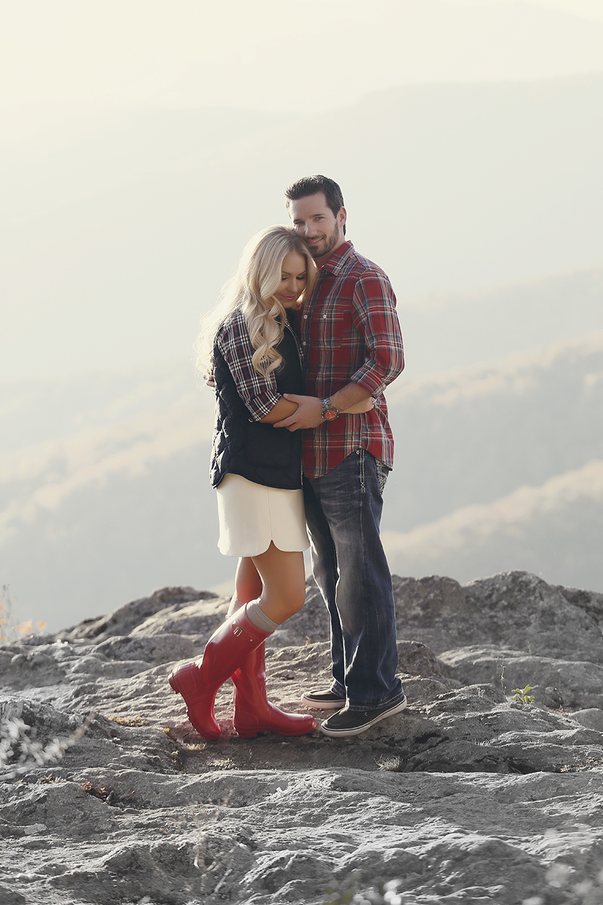 blowing-rock-boone-engagement-photos-19