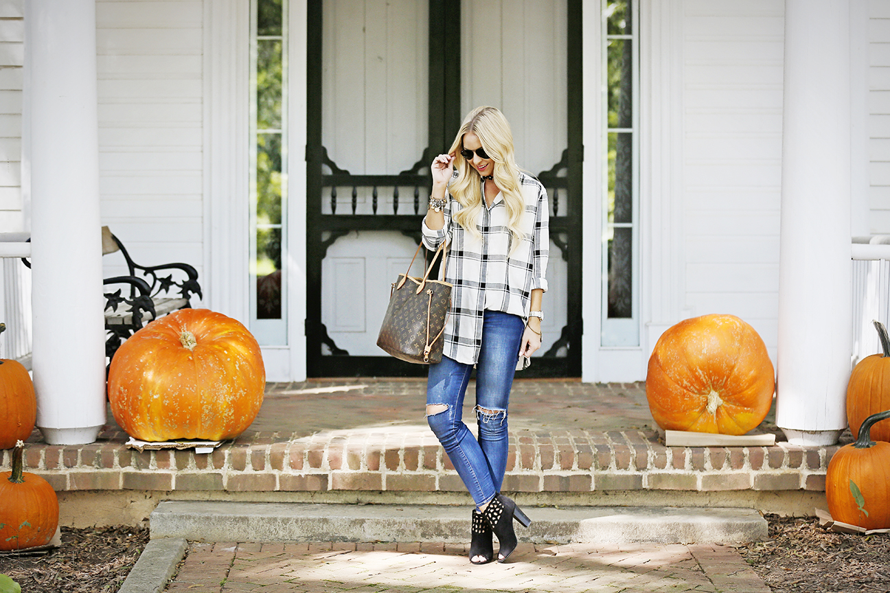 plaid-shirt-pumpkin-picking-1