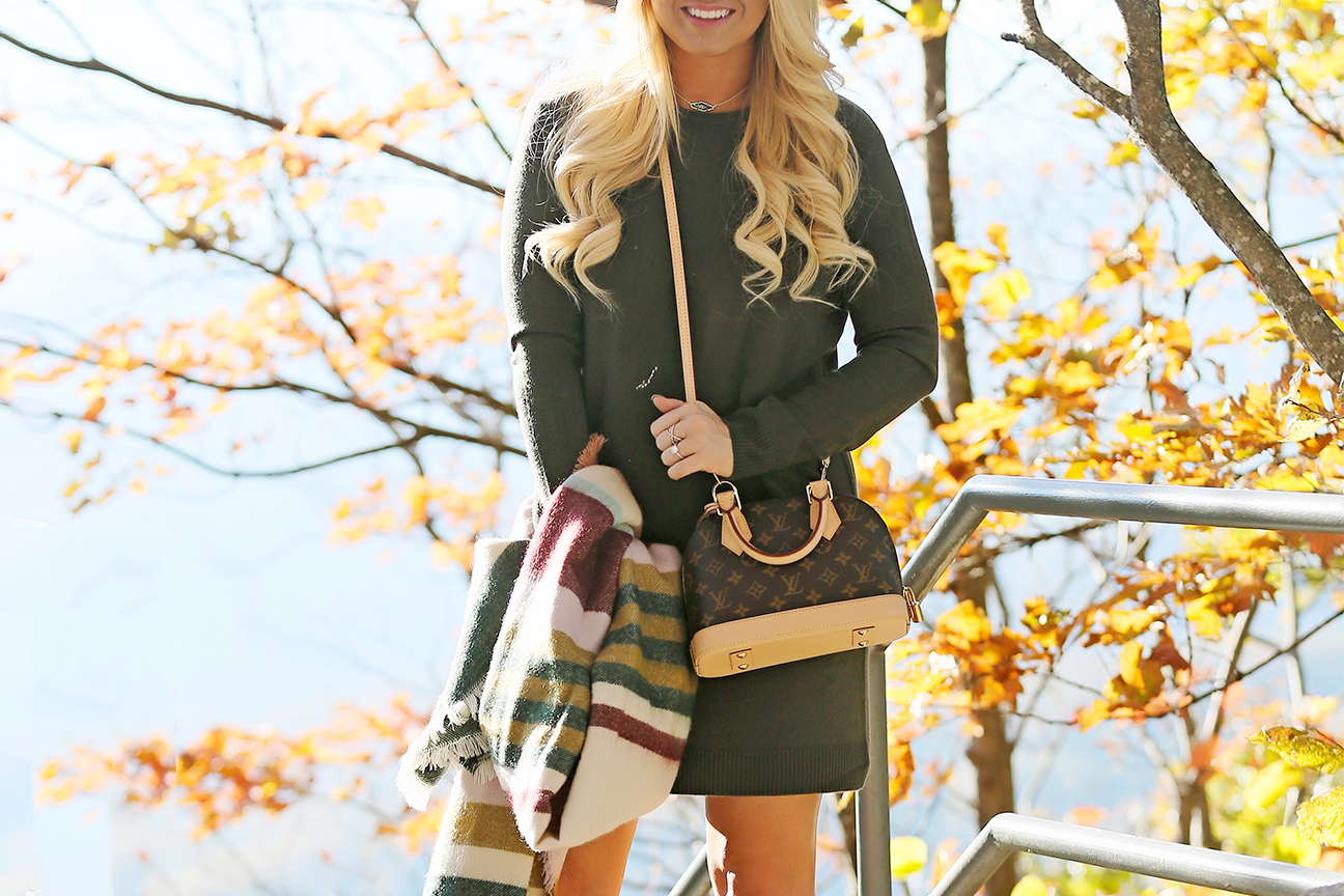 green-sweater-dress-hm-scarf-6