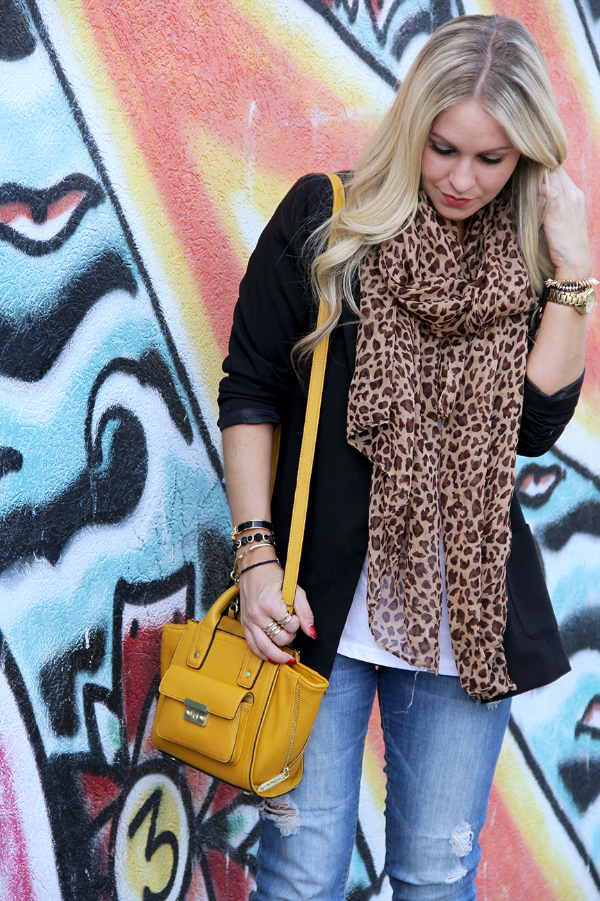 Blazer  Forever 21 Scarf  Wet Seal T-Shirt  Old Navy Jeans  Forever 21  (Old 5f5b8c69b19f9